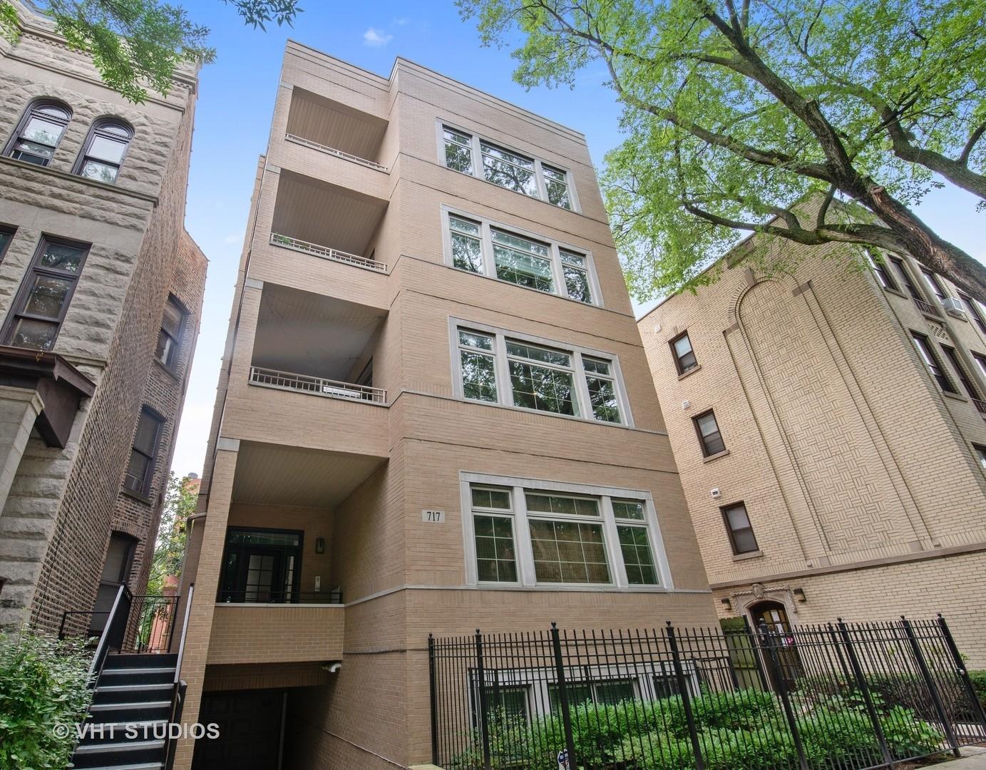 717 W ALDINE Avenue Unit 2, Chicago IL 60657