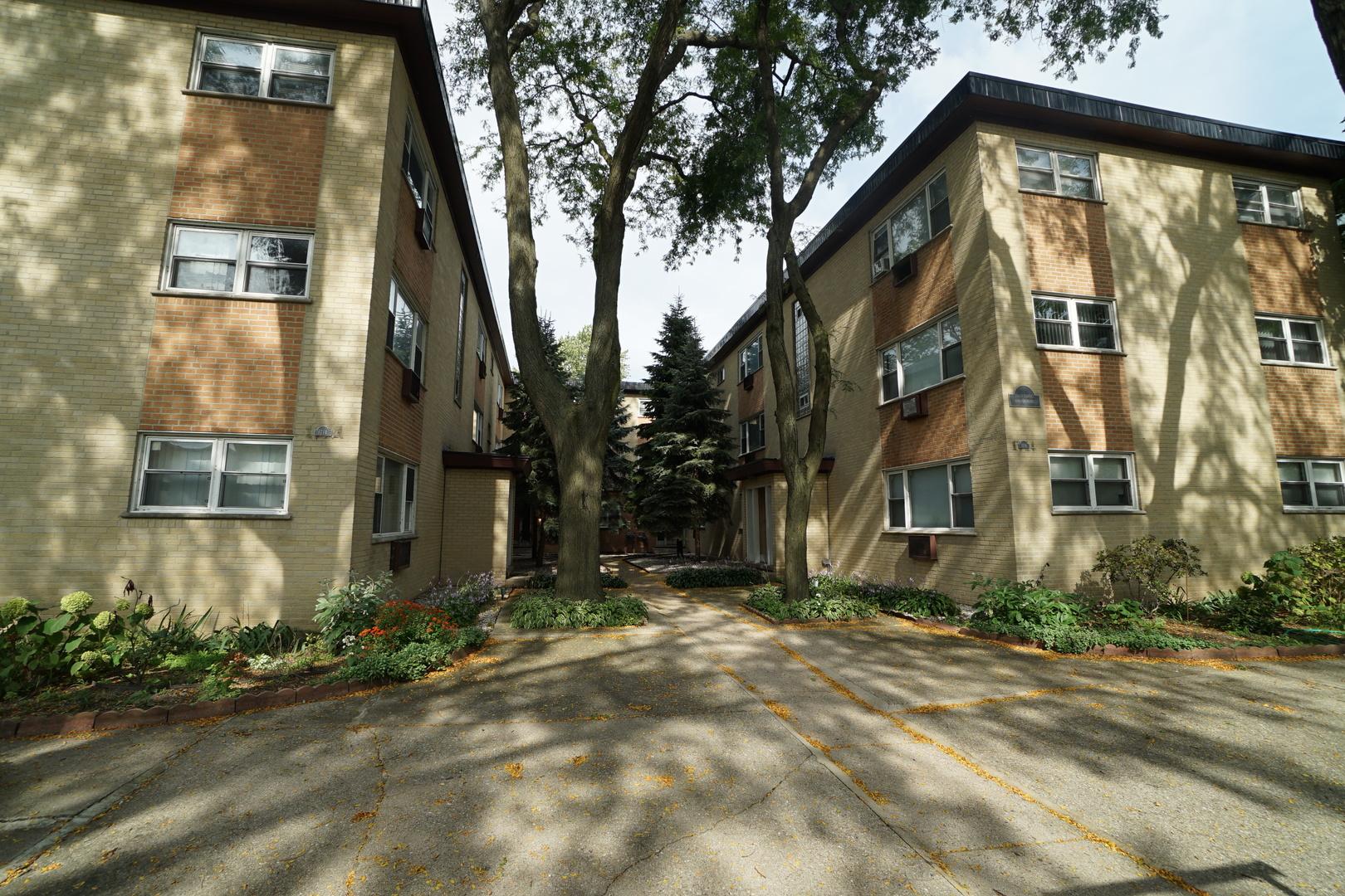 1714 W TOUHY Avenue Unit B3E, Chicago IL 60626