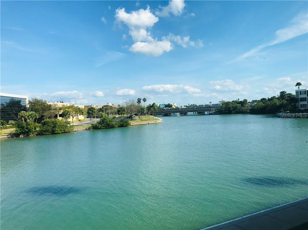 7425 BAY ISLAND DR S #205, South Pasadena FL 33707