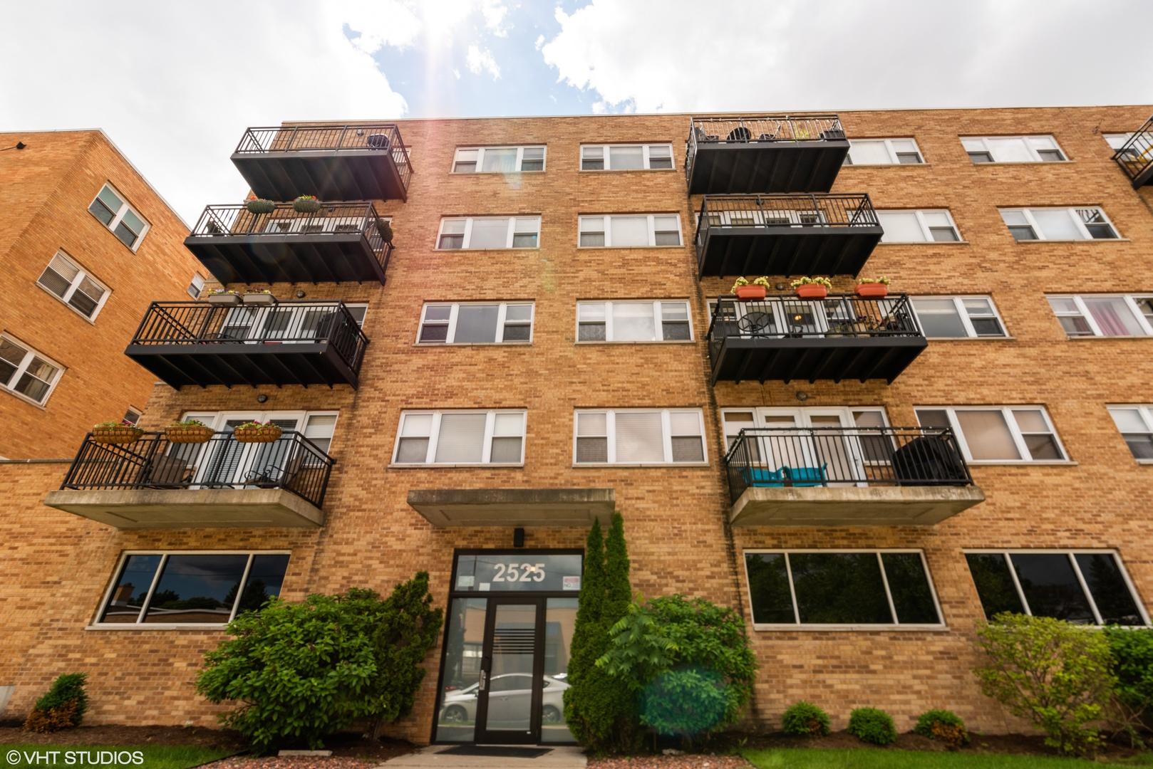 2525 W Bryn Mawr Avenue Unit 201, Chicago IL 60659