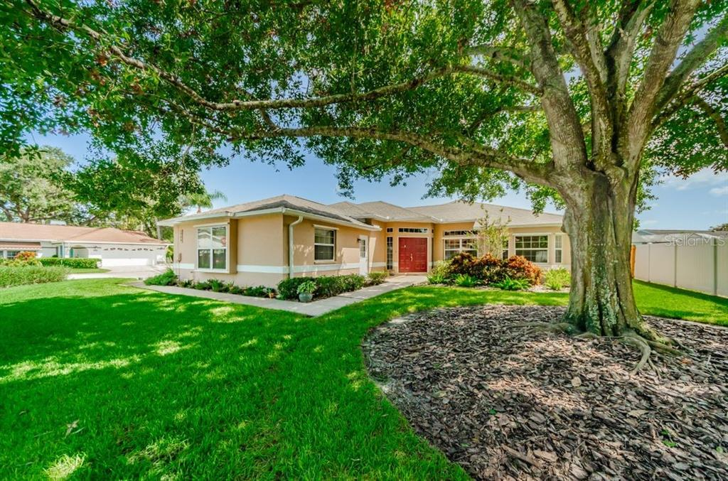 1706 87TH TER N, St Petersburg FL 33702