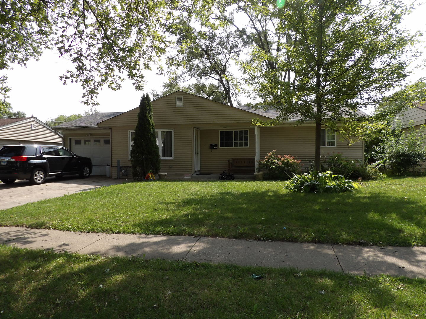 123 Hazard Road, Carpentersville IL 60110