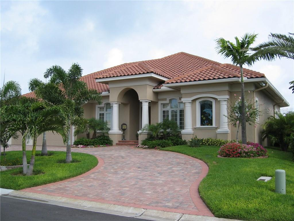 4937 59TH AVE S, St Petersburg FL 33715