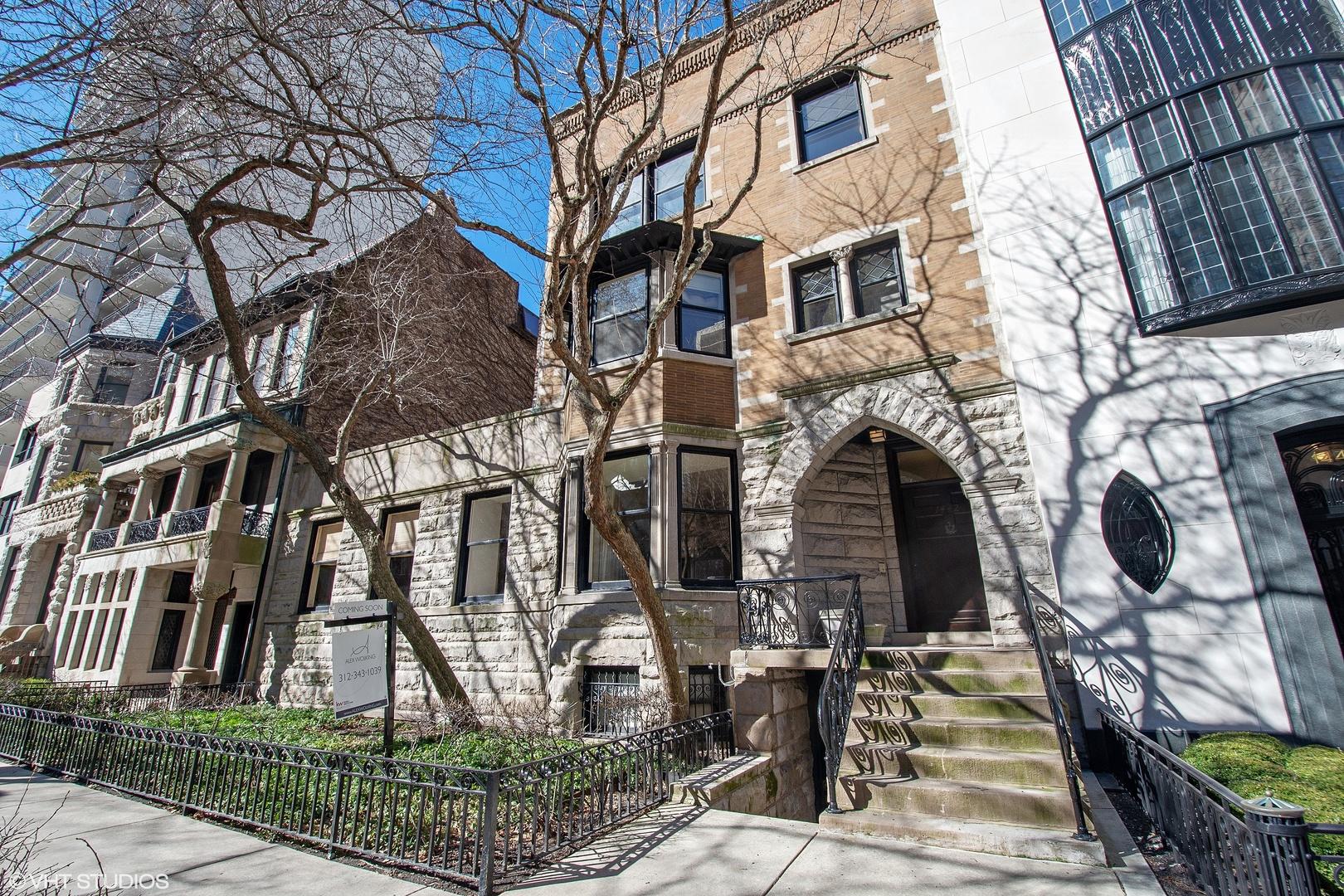 1442 N Astor Street, Chicago IL 60610
