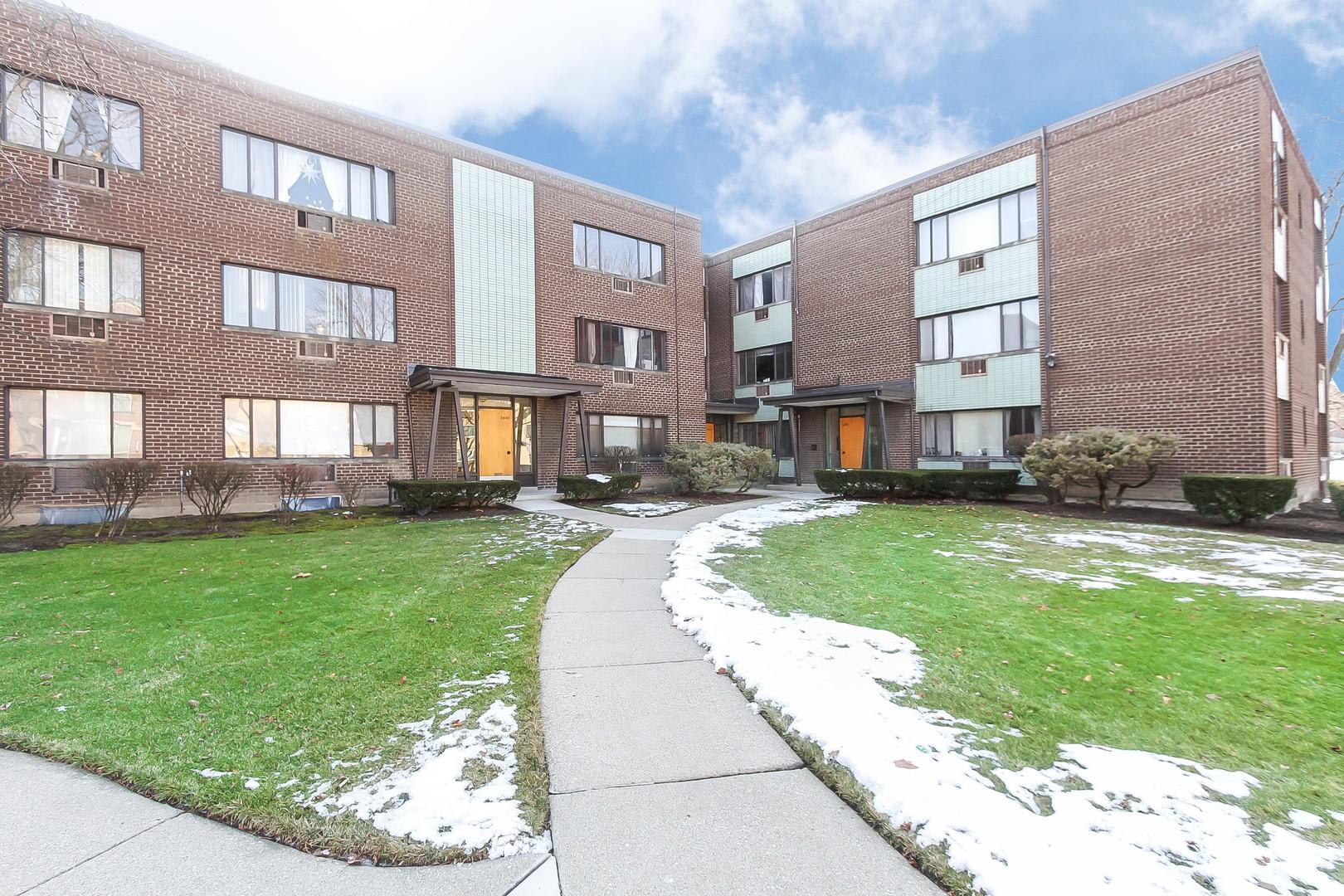 3453 W Bryn Mawr Avenue Unit 1, Chicago IL 60659