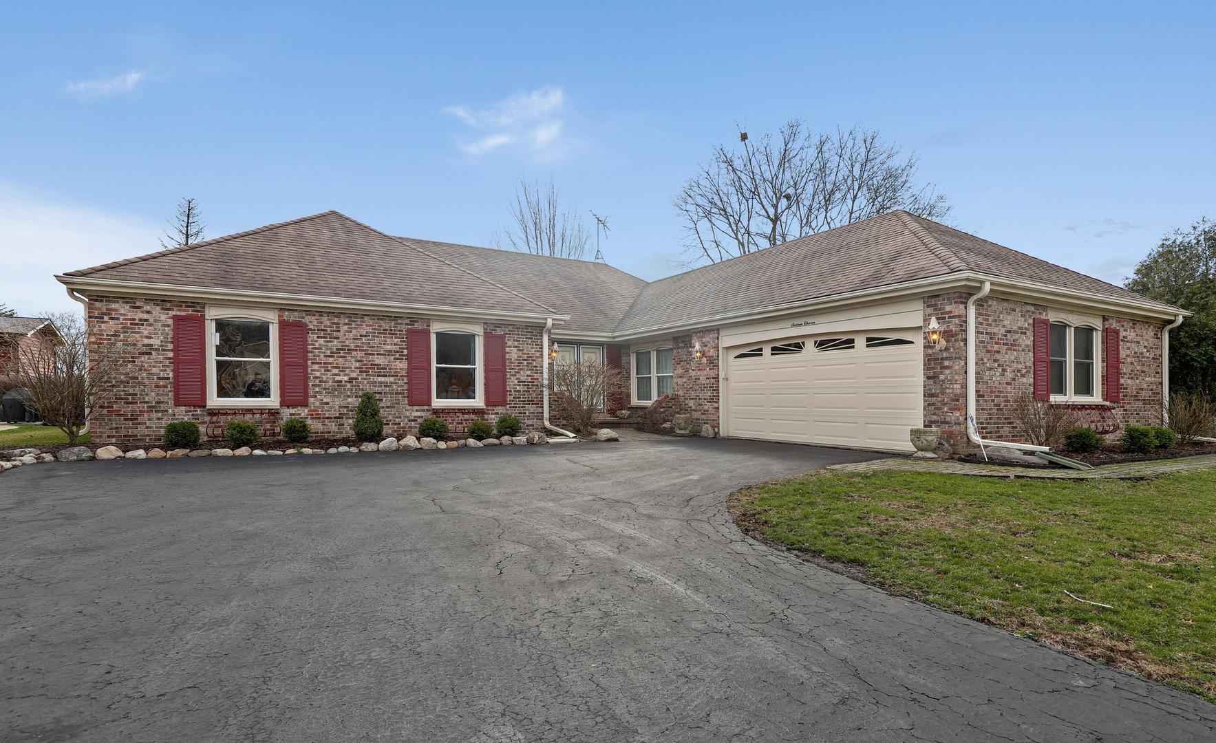 1611 Robin Lane, Glenview IL 60025