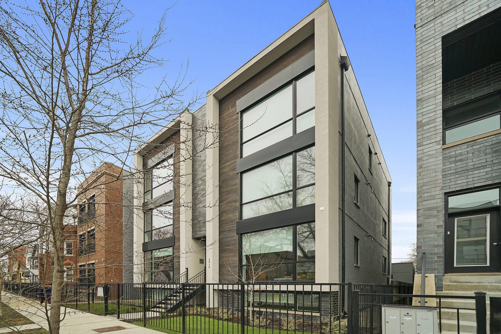 2912 W Lyndale Street Unit 2E, Chicago IL 60647