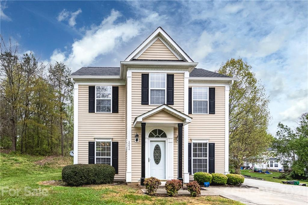 10414 Northwoods Forest Drive, Charlotte NC 28214