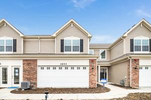 1235 Hawk Hollow Drive, Yorkville IL 60560