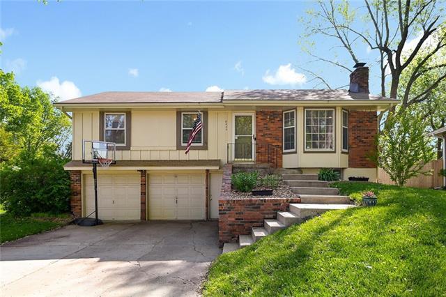 8425 N Tracy Avenue, Kansas City MO 64155