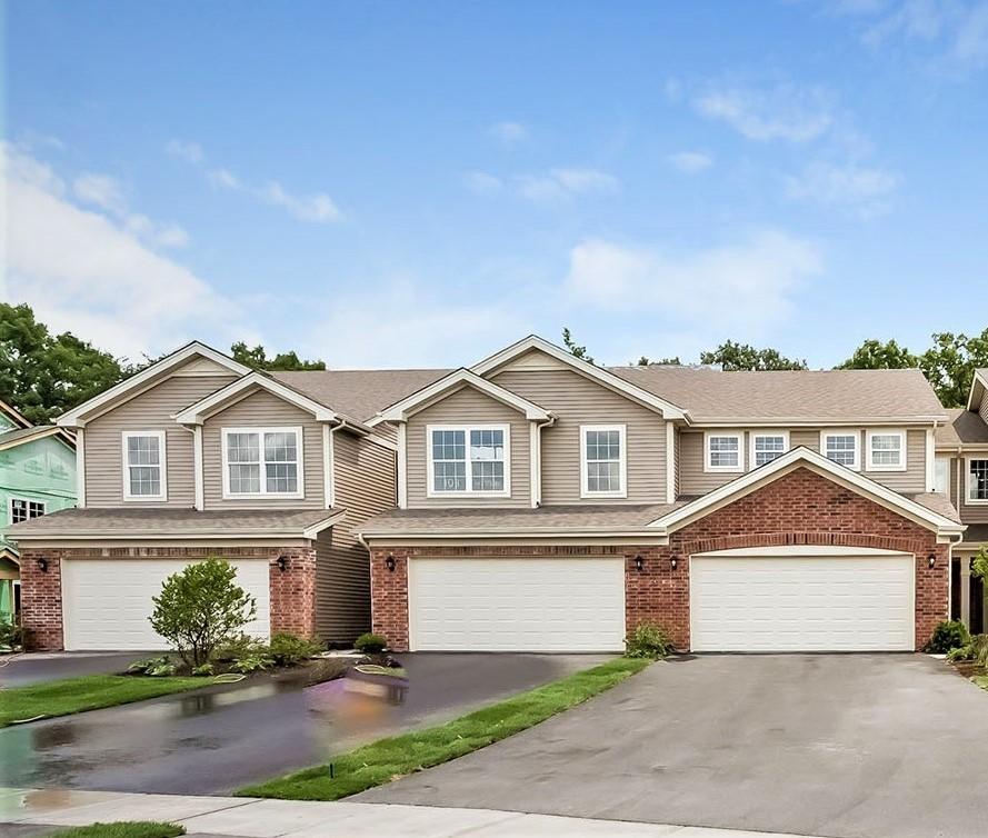 1285 West Lake Drive, Cary IL 60013
