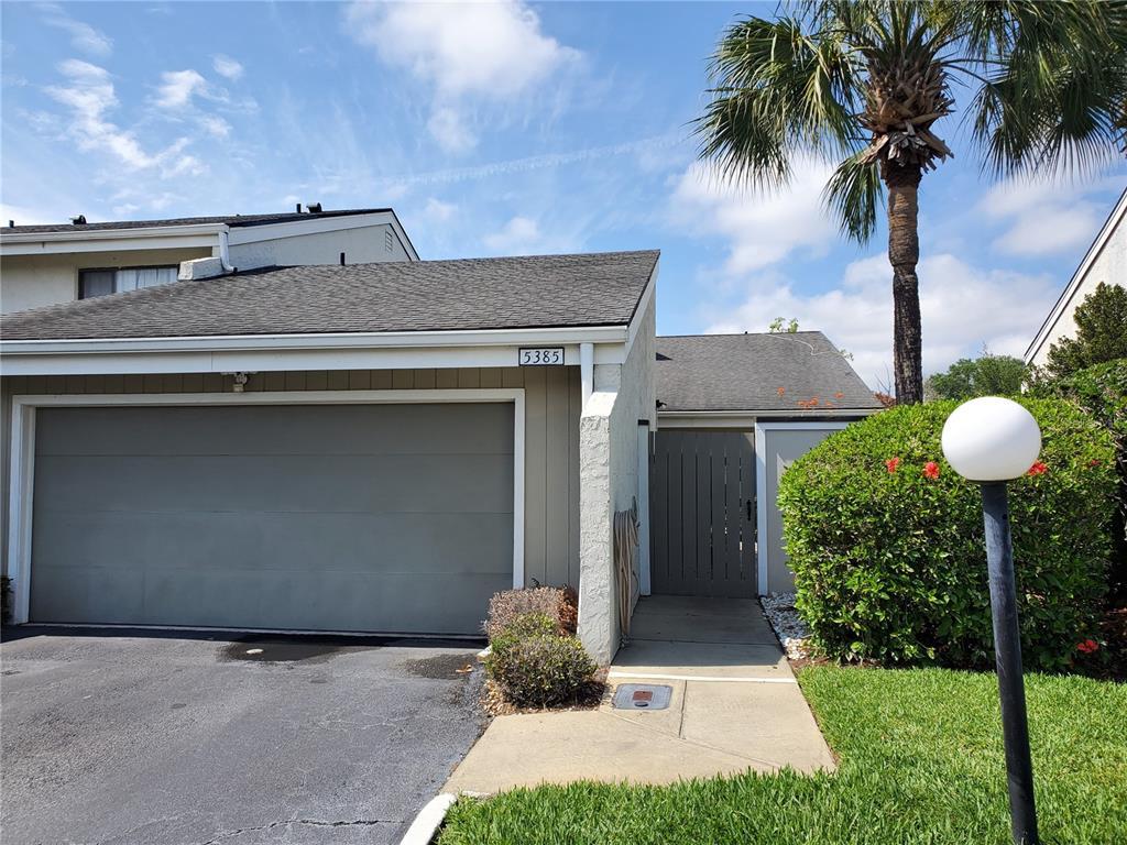 5385 VINELAND RD #J, Orlando FL 32811