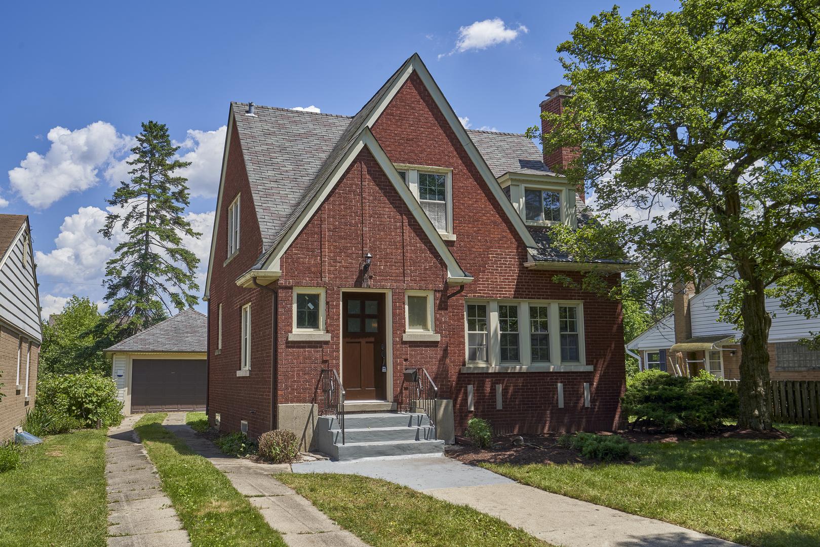 105 N Lancaster Street, Mount Prospect IL 60056