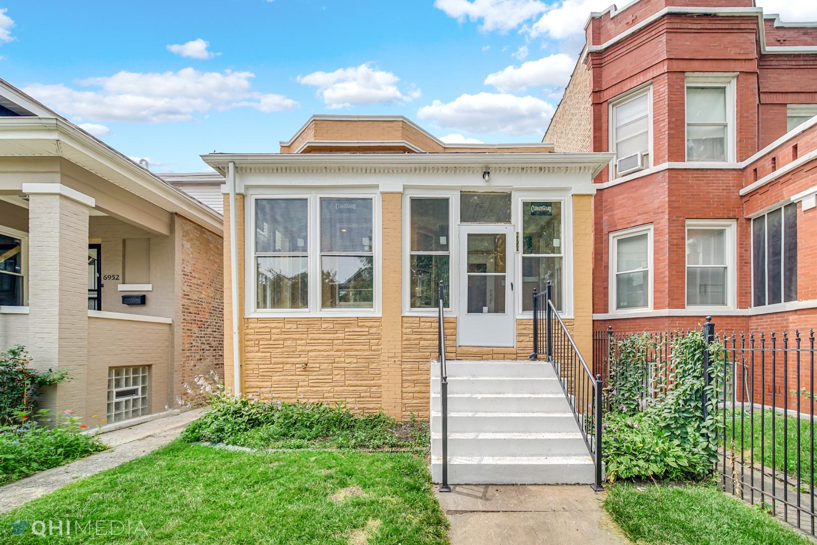 6950 S Prairie Avenue, Chicago IL 60637