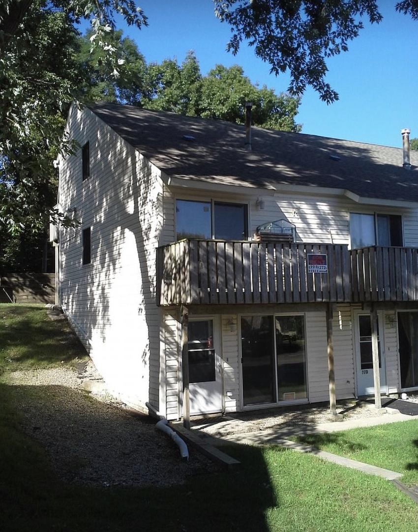 77 Maude Avenue Unit E, Fox Lake IL 60020
