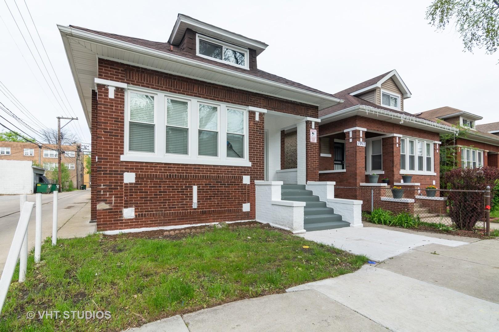 7915 S Paxton Avenue, Chicago IL 60617