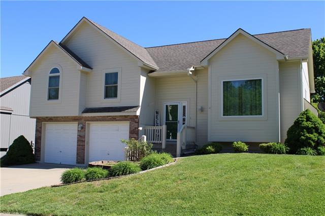 1800 SE Kenwood Drive, Blue Springs MO 64014