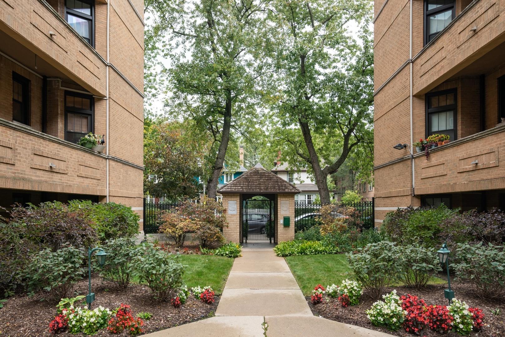 1339 W Lunt Avenue Unit 2M, Chicago IL 60626