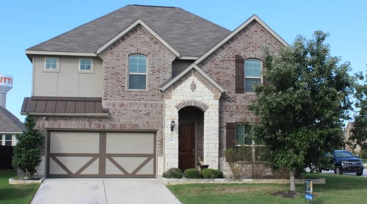 922  Emory Stable None  , Hutto TX 78634
