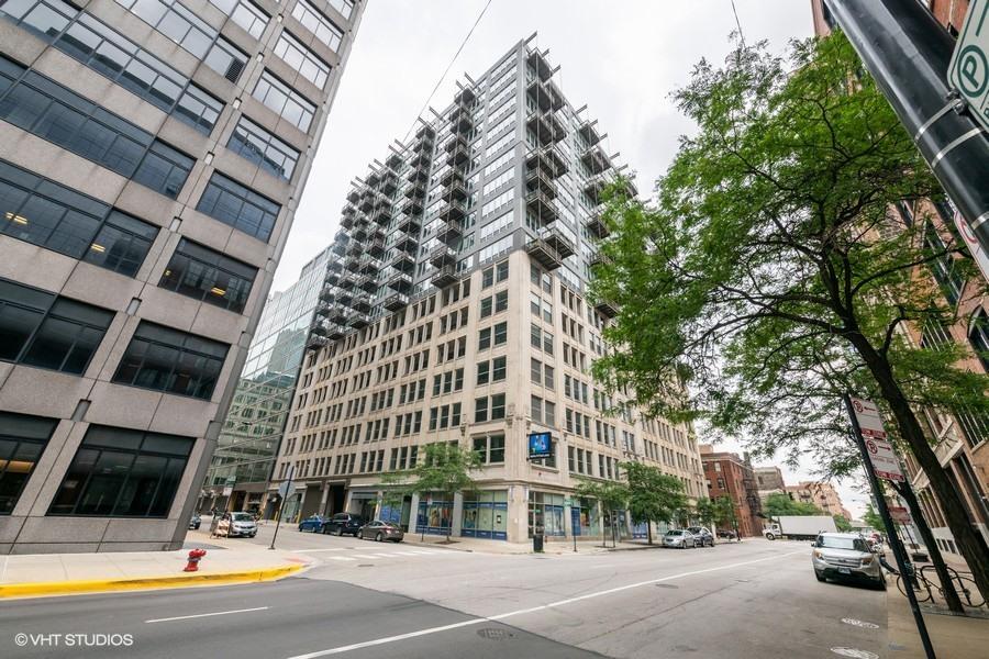565 W Quincy Street Unit 1302, Chicago IL 60661