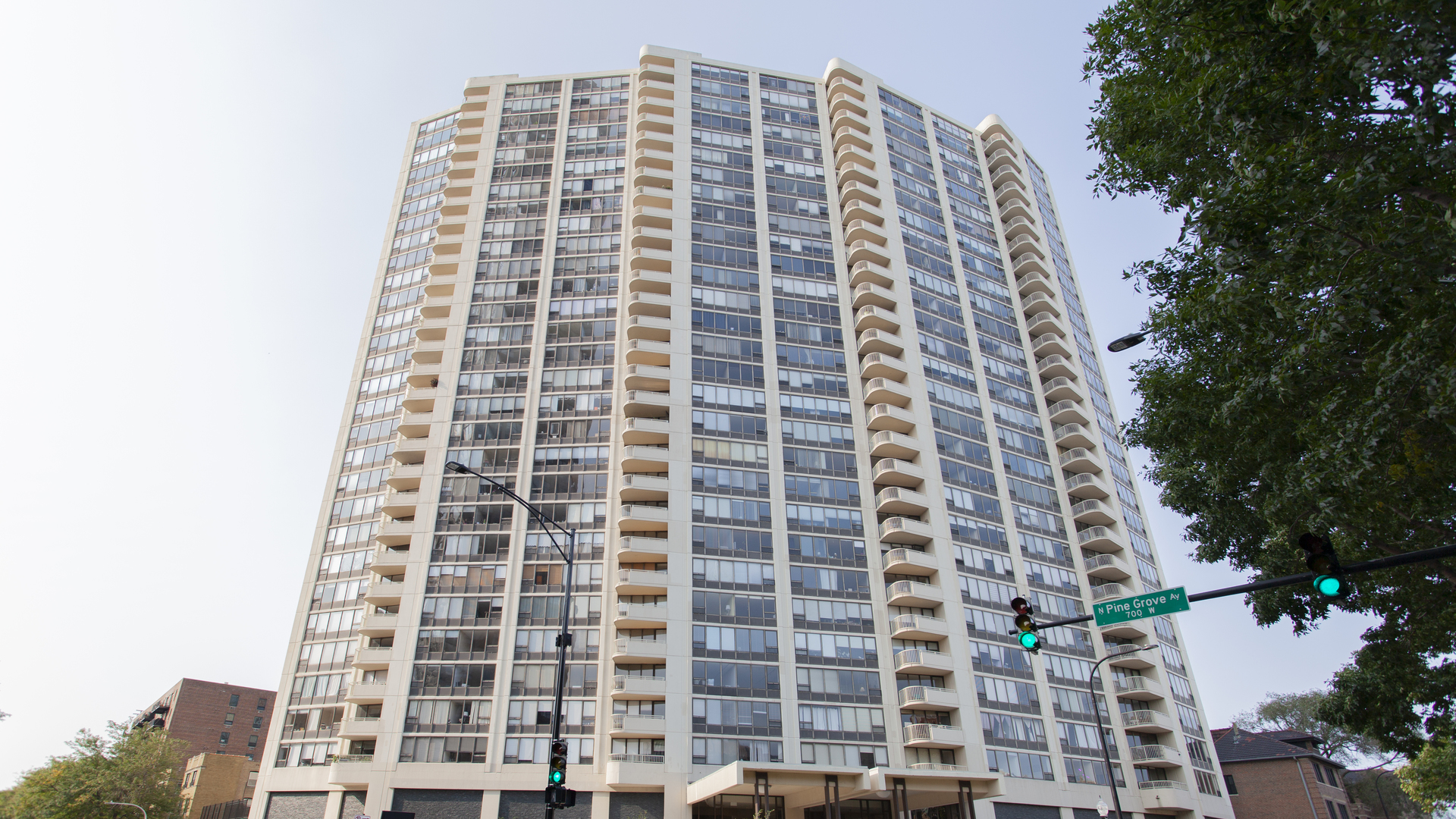 3930 N PINE GROVE Avenue Unit 704, Chicago IL 60613