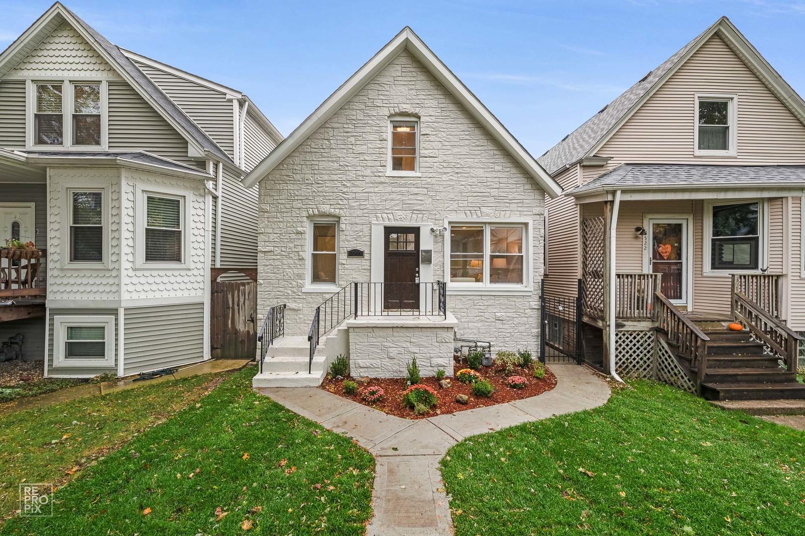 3524 W Melrose Street, Chicago IL 60618