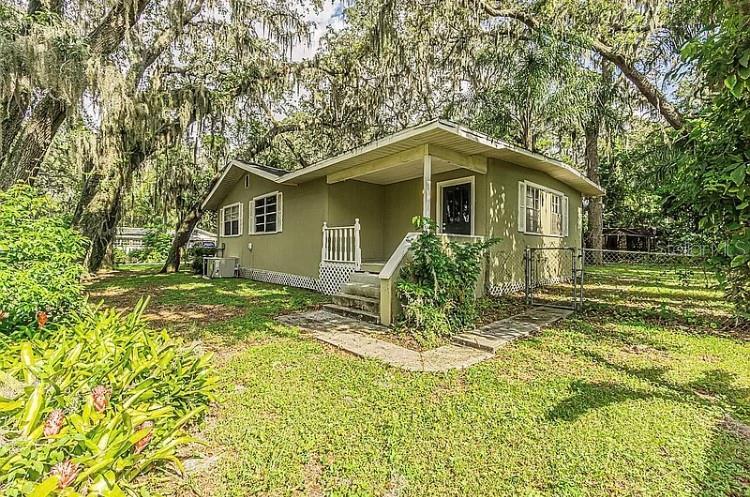 1317 W HUMPHREY ST, Tampa FL 33604