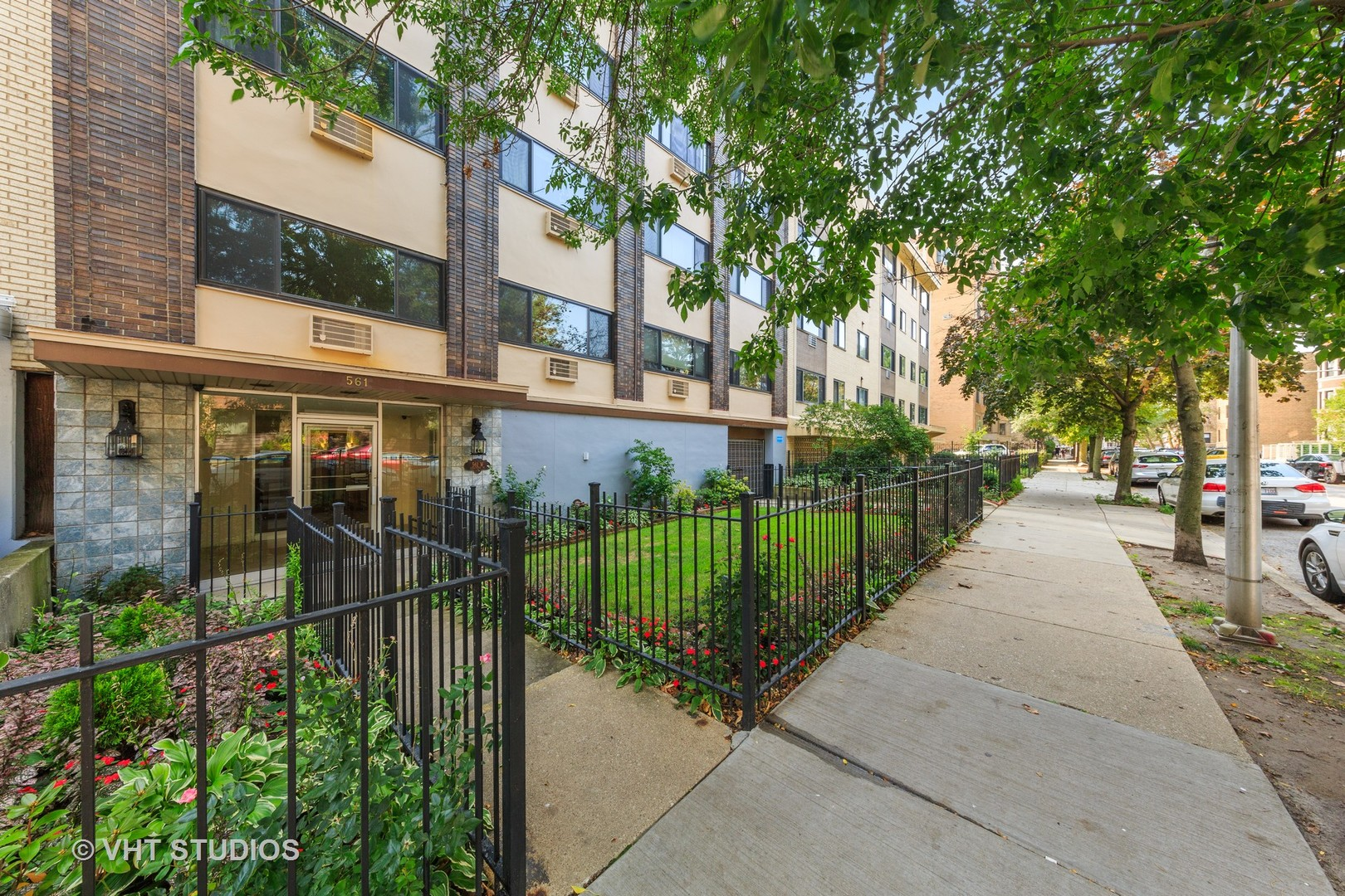 561 W Stratford Place Unit 3C, Chicago IL 60657