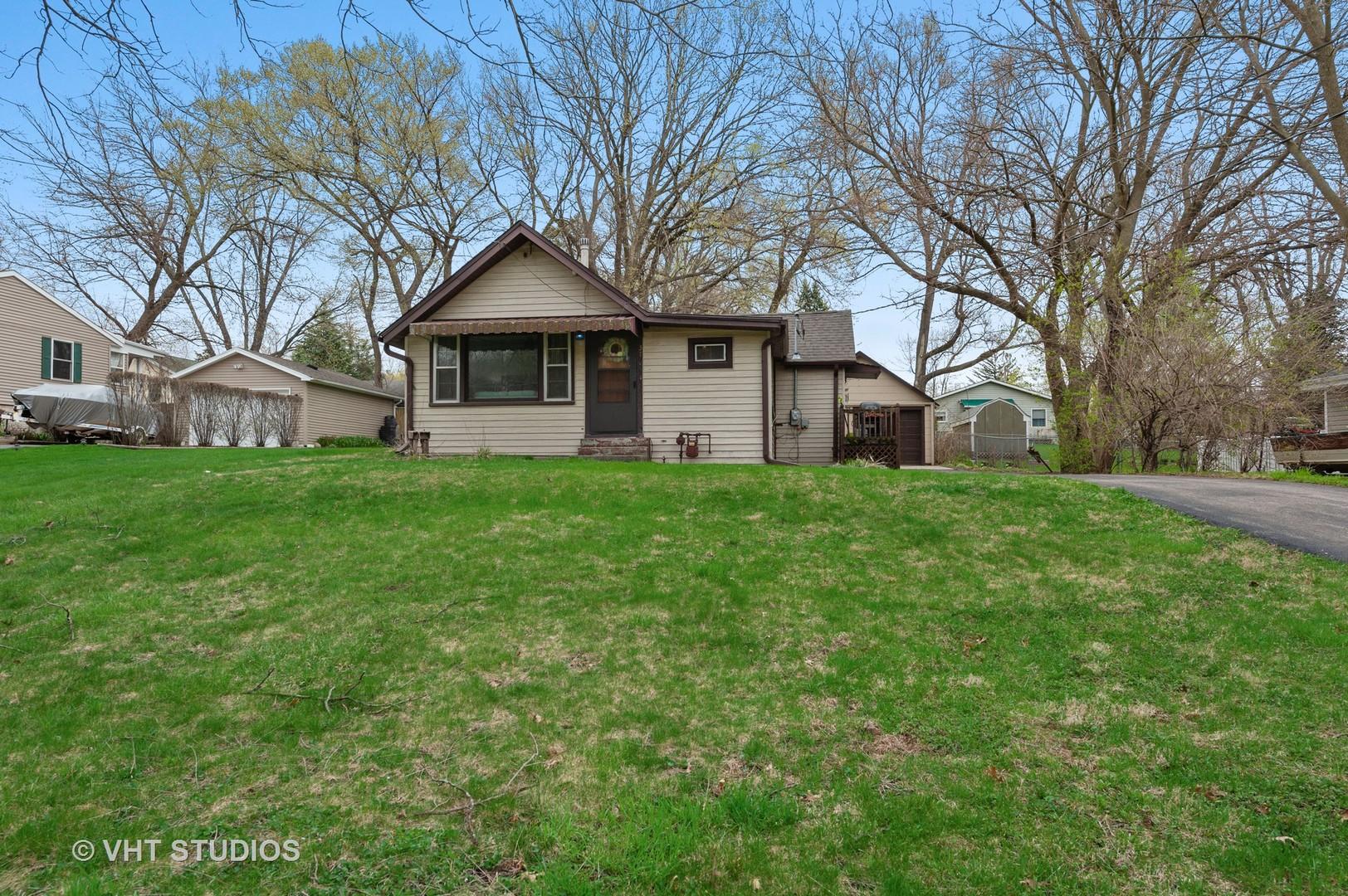 37 S Hickory Avenue, Fox Lake IL 60020