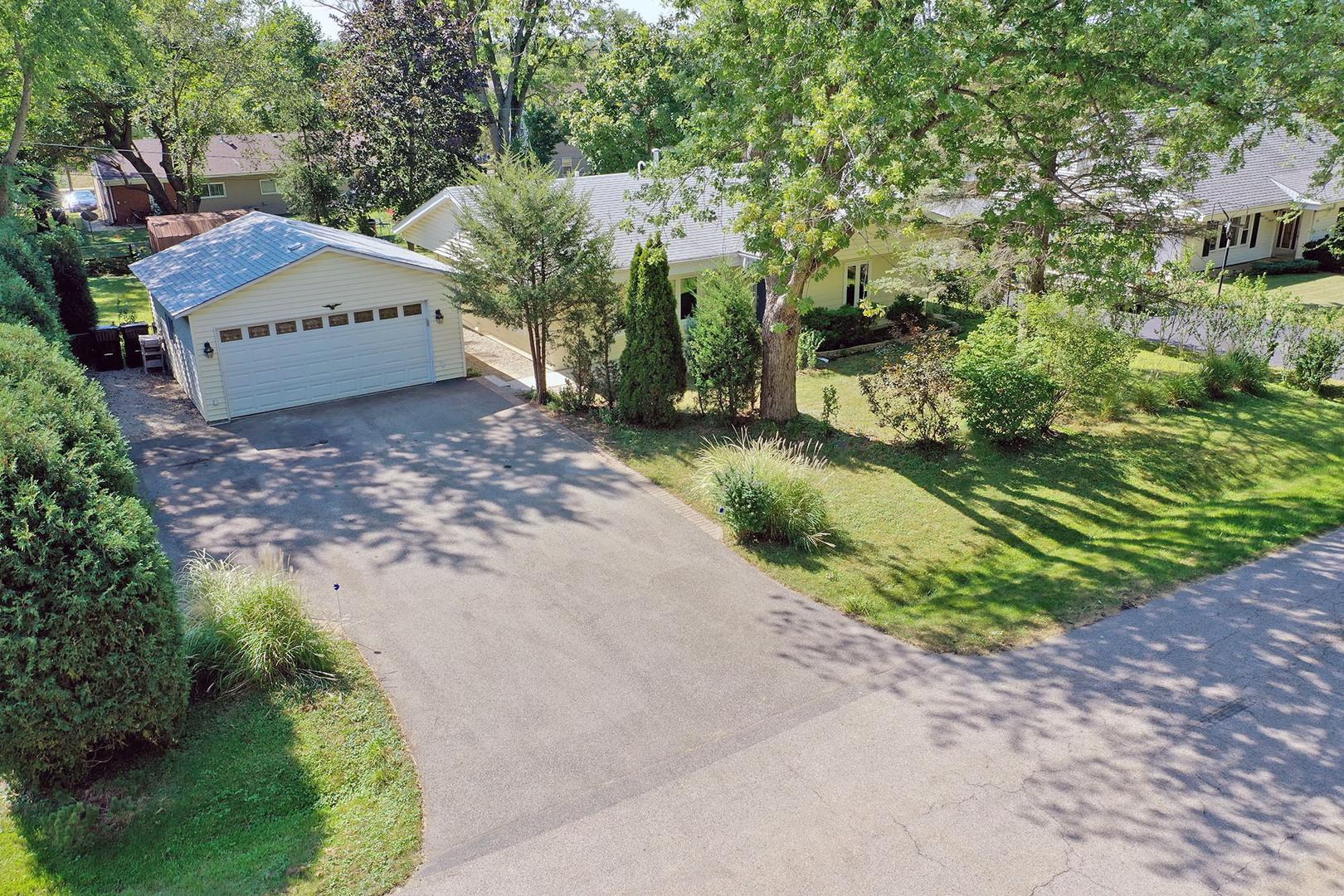 947 Evanston Terrace, Lake Zurich IL 60047