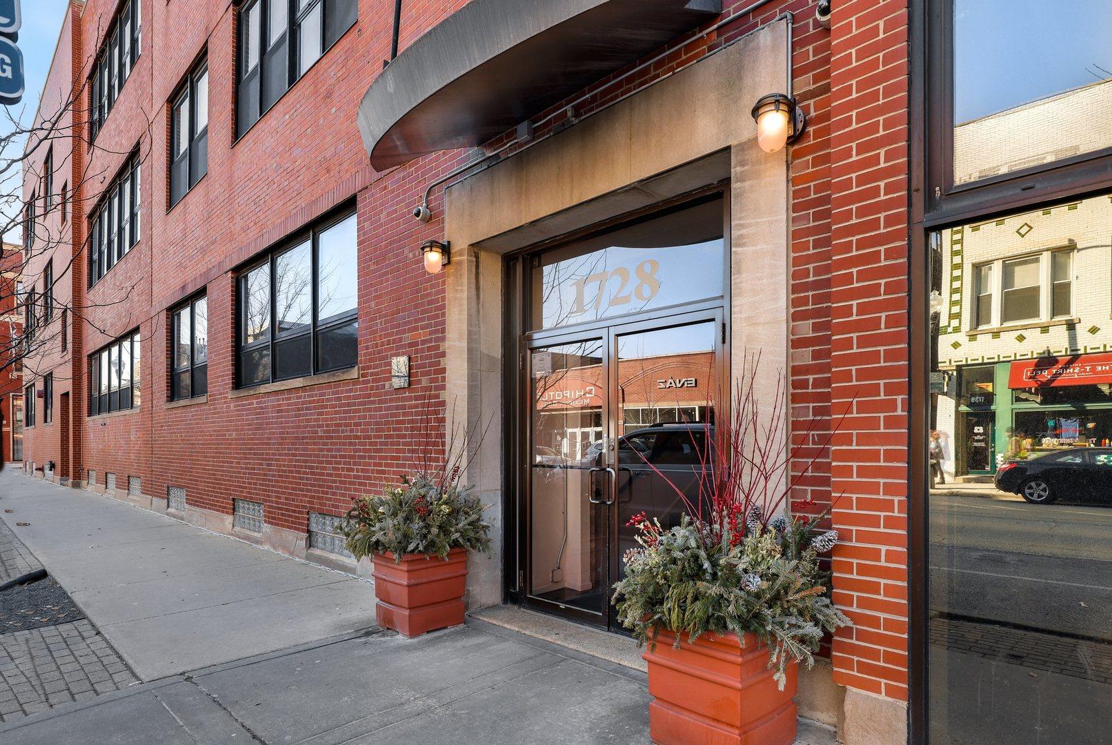 1728 N Damen Avenue Unit 106, Chicago IL 60647