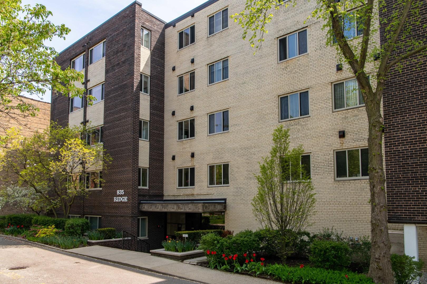 835 Ridge Avenue Unit 302, Evanston IL 60202