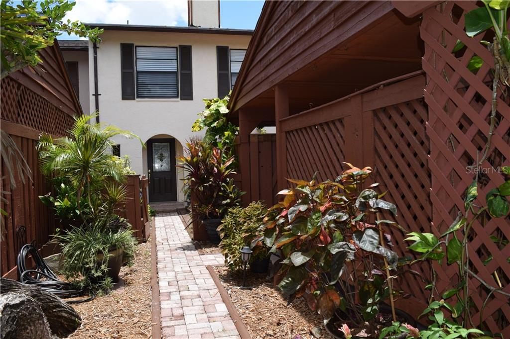 669 FAIRWOOD FOREST DR, Clearwater FL 33759