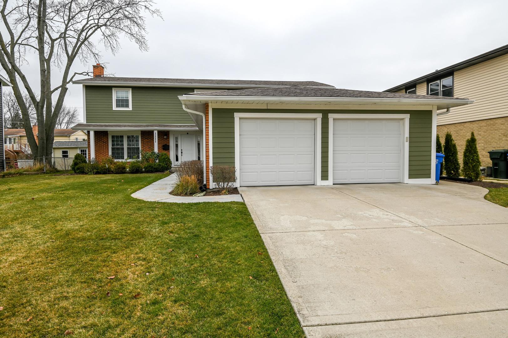 1111 S Oakwood Drive, Mount Prospect IL 60056