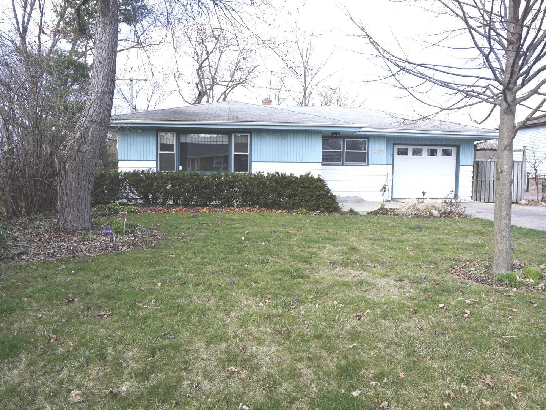18238 W Big Oaks Road, Grayslake IL 60030