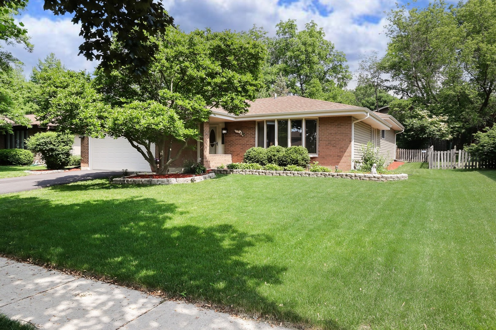 883 Lawrence Avenue, West Chicago IL 60185