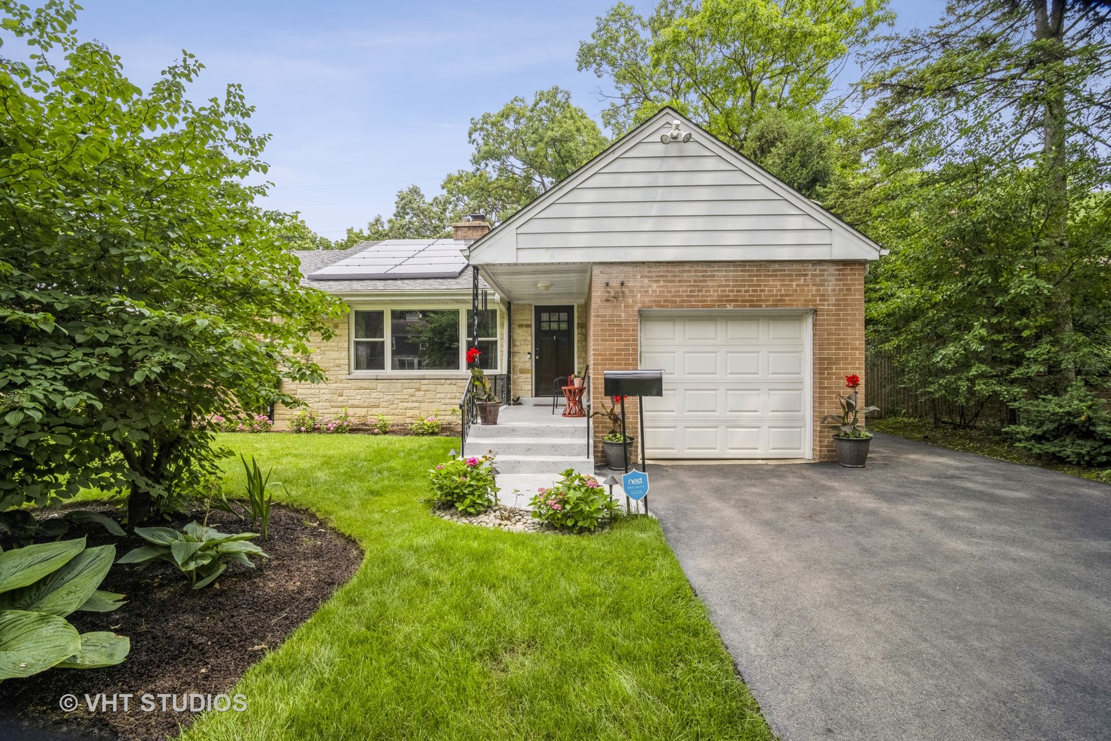 241 Barberry Road, Highland Park IL 60035
