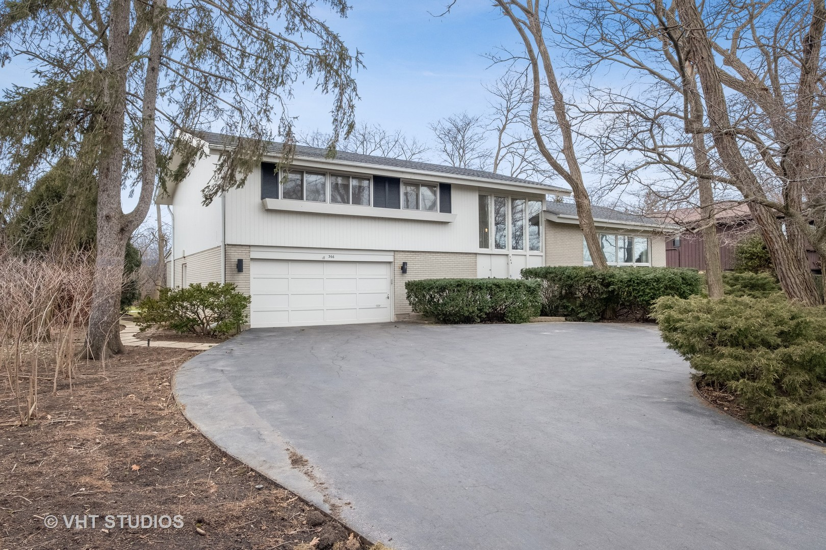 366 Seven Pines Circle, Highland Park IL 60035