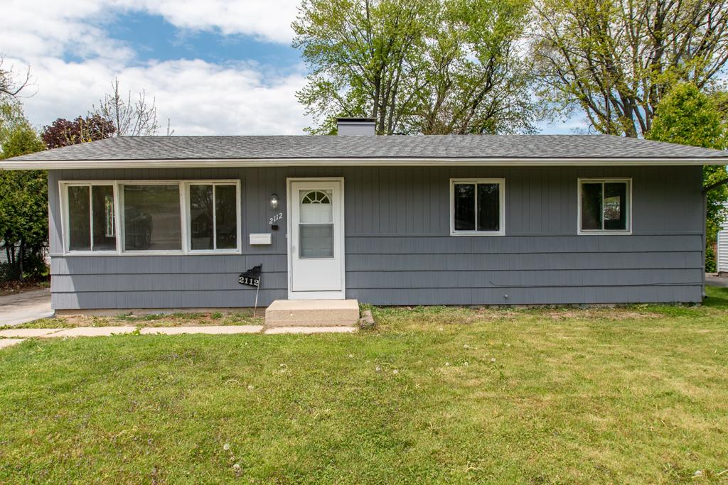 2112 W Glen Flora Avenue, Waukegan IL 60085