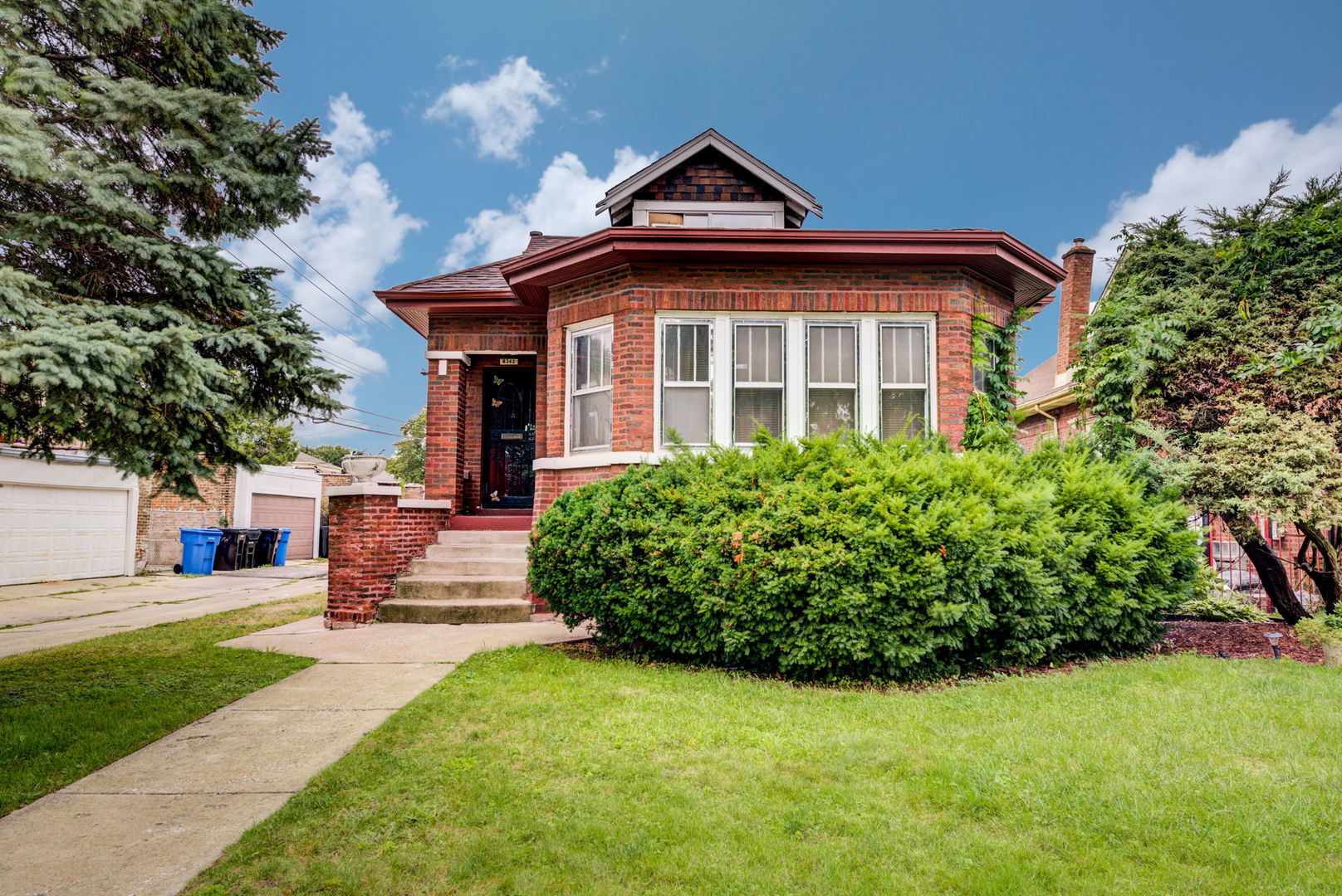 8242 S Honore Street, Chicago IL 60620