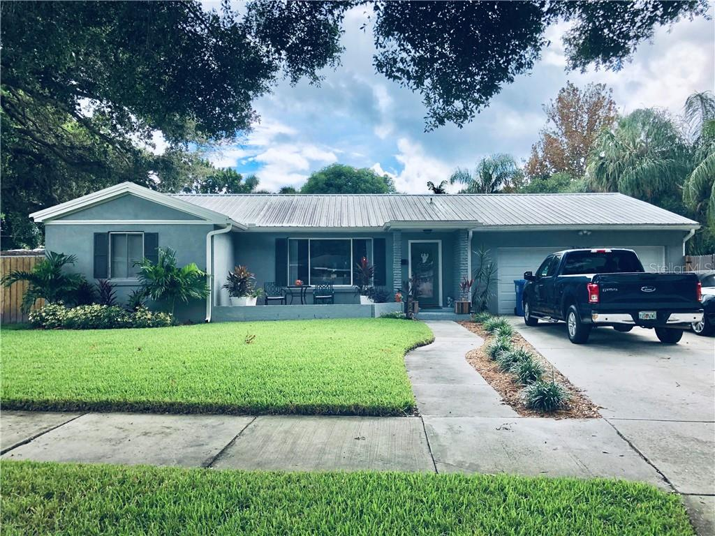 220 59TH AVE S, St Petersburg FL 33705