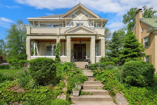 10552 S Seeley Avenue, Chicago IL 60643