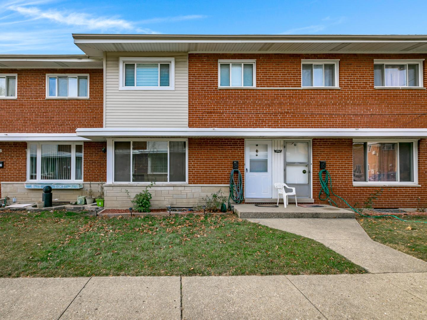 2532 W BIRCHWOOD Avenue Unit C, Chicago IL 60645