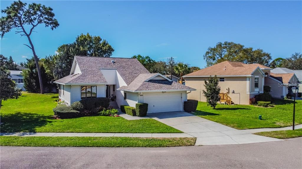 1023 LAKE AVOCA PL, Tarpon Springs FL 34689