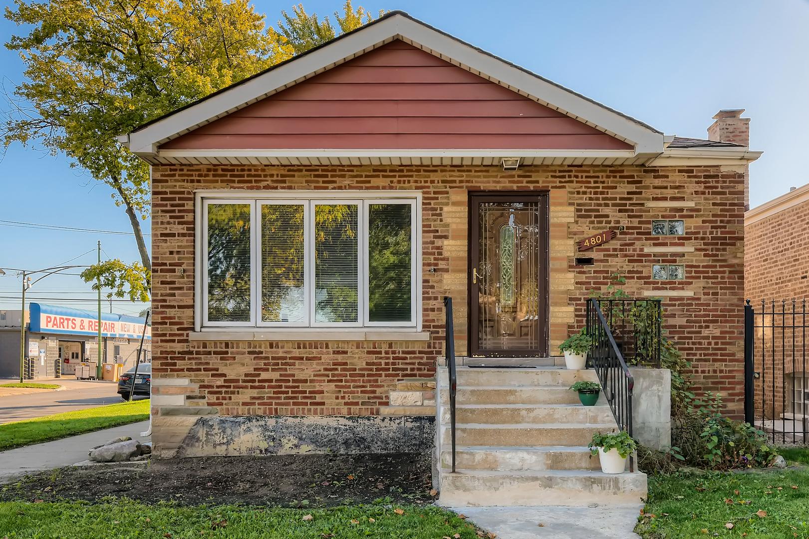 4801 S La Crosse Avenue, Chicago IL 60638