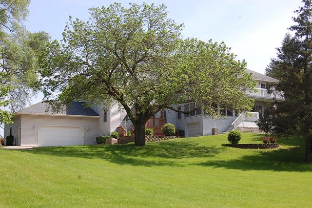 25596 W GRASS LAKE Road, Antioch IL 60002