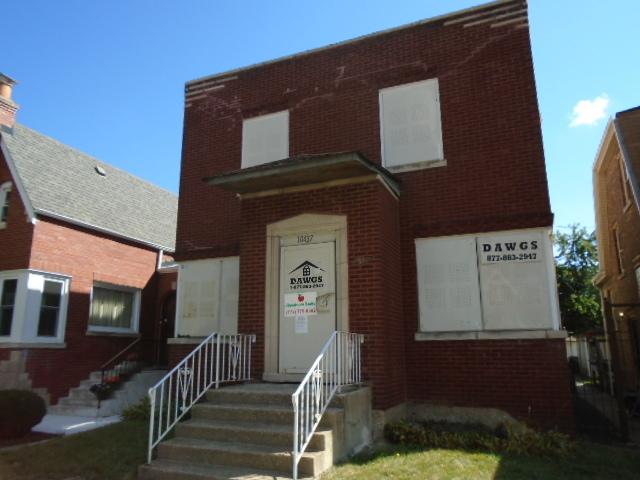 10437 S Eberhart Avenue, Chicago IL 60628