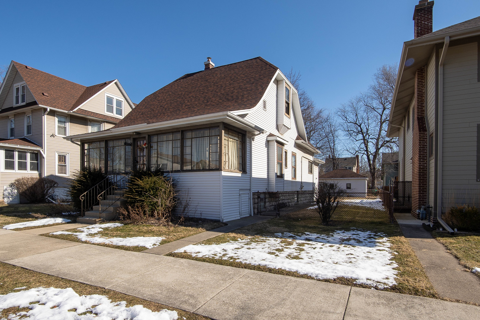 3421 Maple Avenue, Berwyn IL 60402