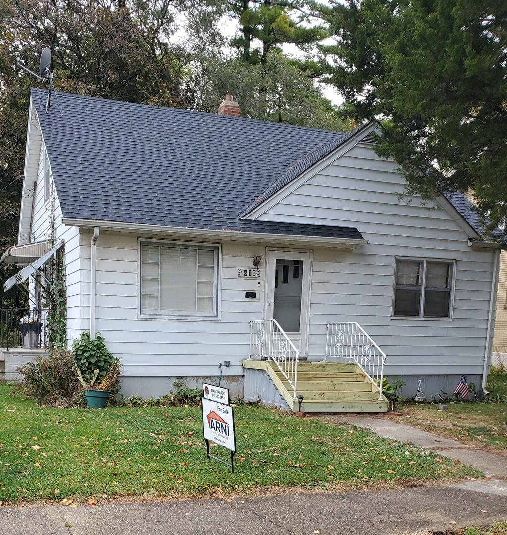 610 Archer Avenue, Waukegan IL 60085