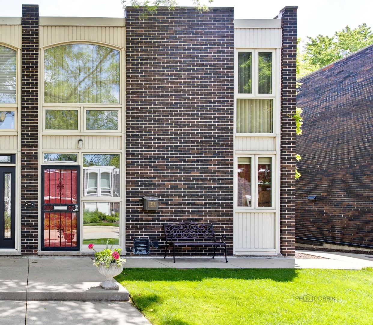 1329 N SANDBURG Terrace Unit -, Chicago IL 60610